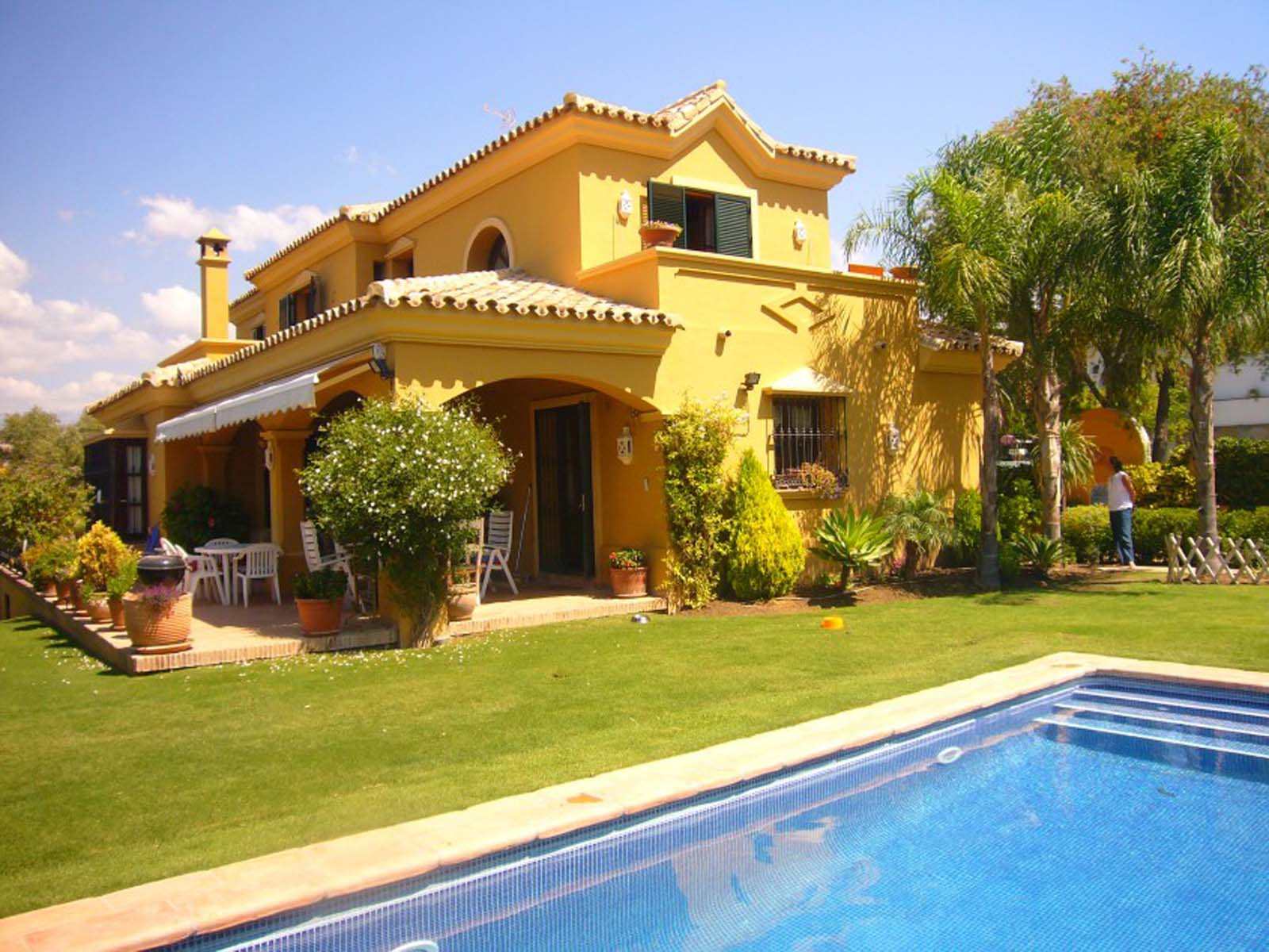 For sale beautiful villa in a central location for Beautiful villas pics