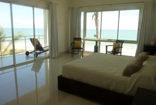 Beachfront luxury apartment with a fantastic Atlantic Ocean view