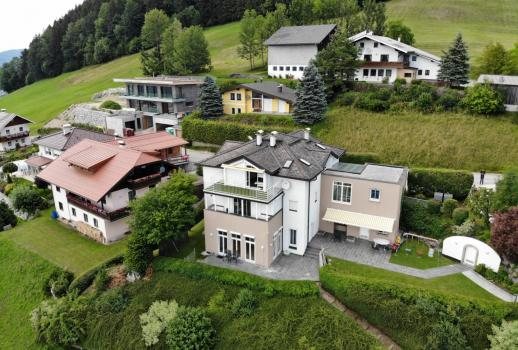 Villa in panoramic location with view of Mondsee Lake and the Schafberg