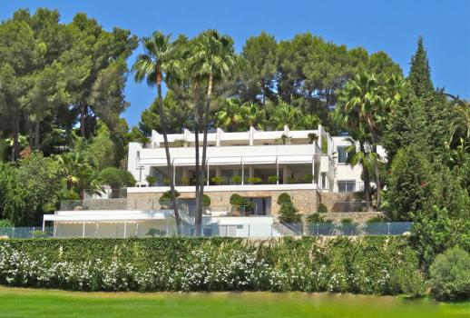 Unique designer villa for sale in a private area