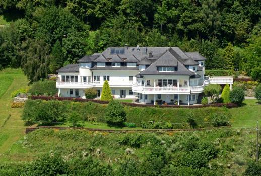 Dream-Lake view-Luxury villa in the heart of Carinthia