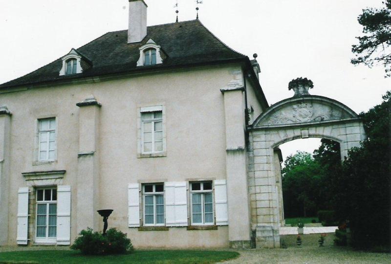 Historic property in Burgundy for sale