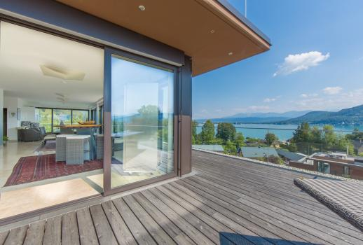 Modern Sky Lounge with breathtaking views over lake Wörthersee