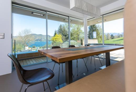 Top timeless, modern house by the Attersee lake