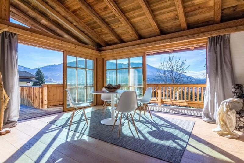 Fantastic chalet with a large terrace and stunning views - MasterHomes®