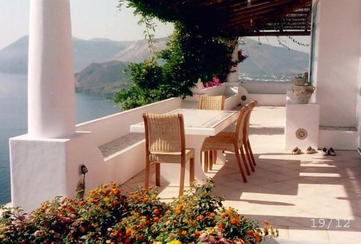 A marvelous villa on the island of Lipari