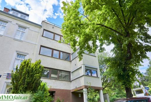 Attractive apartment building with 6 new apartments in an exclusive location directly at the Roten Berg - over 3% earnings potential!