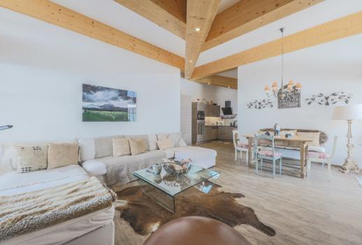 Alpine domicile with a wonderful view in a quiet location