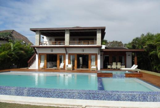 A luxurious, top-modern, two-storey villa, in the well-known luxury resort Casa de Campo