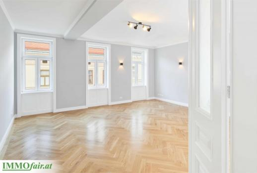 Family dream! Classic 4-room old-style apartment in a top location! First tenants after renovation!