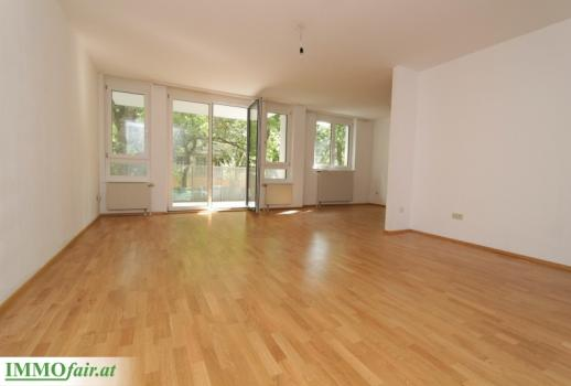 LARGE 3 room new apartment with south-facing balcony and GREEN VIEW - 106m² + 10m² balcony € 620,000, -
