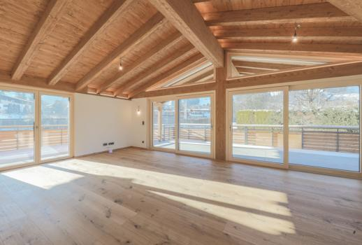 luxurious penthouse with a view of the Hahnenkamm and the Kitzbüheler Horn