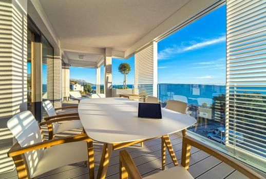 Modern Top Floor Sunrise in Croatia with a fantastic view of the sea.. Bel Étage Lifestyle!
