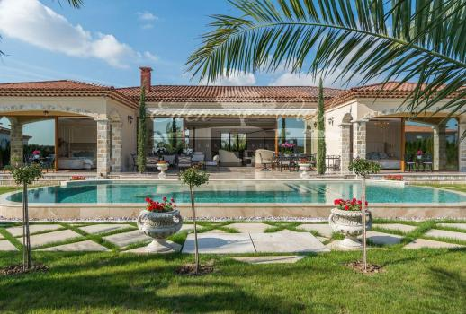 New luxury villa in the Mediterranean style