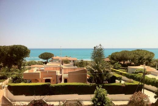 Villa with a view of the sea for sale