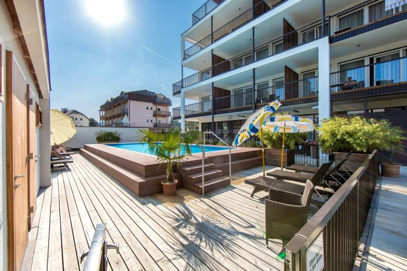 Elegant Penthouse on Lake Wörthersee for sale with panoramic lake views