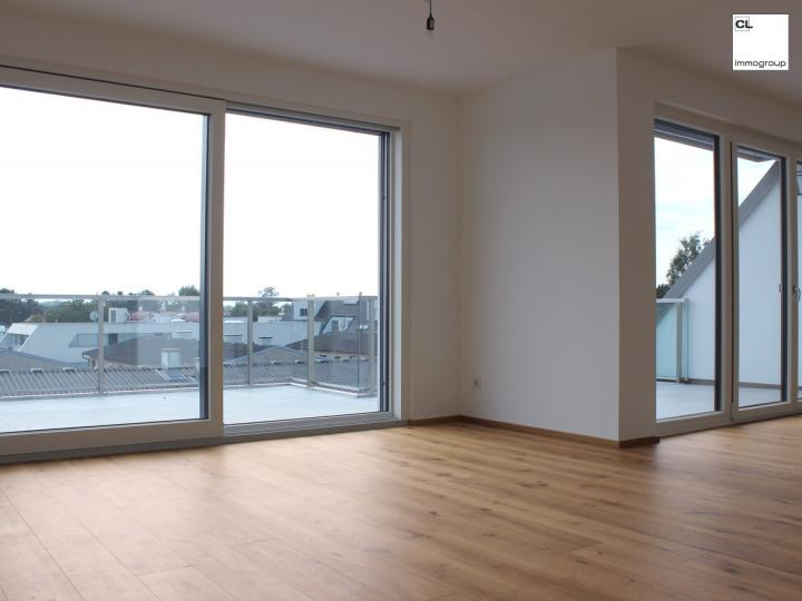 Exclusive: penthouse apartment with a view of the Lobau - in an idyllic green and quiet location