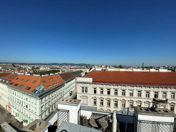 Exclusive town house in a prime location in Vienna near the 1st district