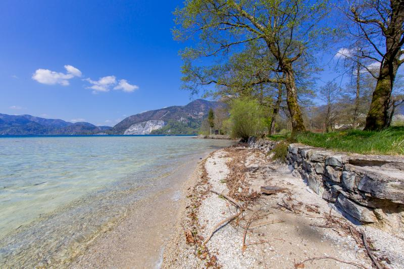 Fantastic beach on Lake Wolfgangsee for sale - a rarity on the water