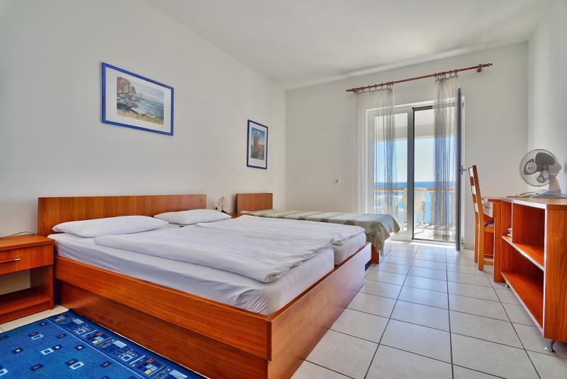 Lovely small family hotel on the Novigrad Sea with a private beach