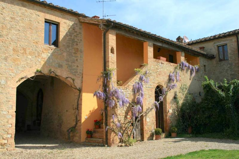 Il Glicine - Beautiful Tuscan country house