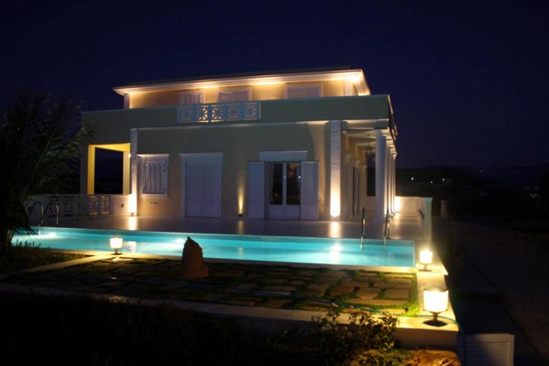 Luxurious property for sale on Kefalonia with direct access to the beach