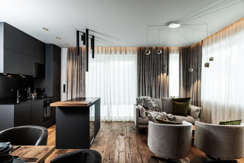 Luxury chalet right on the ski slope