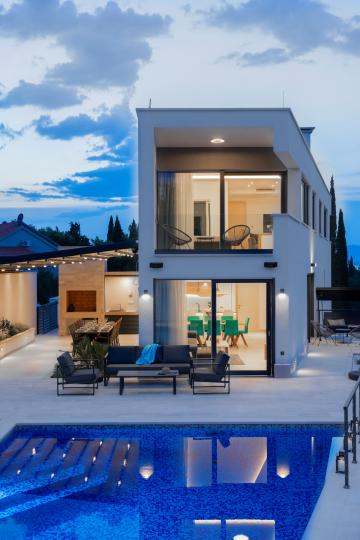 Luxury villa in the heart of Dalmatia