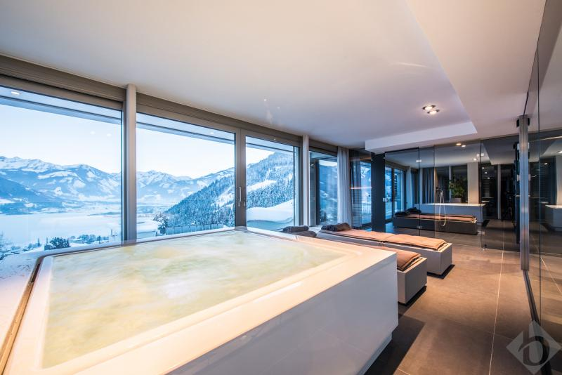 MODERN ALPINE - IMPRESSIVE DESIGN PROPERTY IN ZELL AM SEE