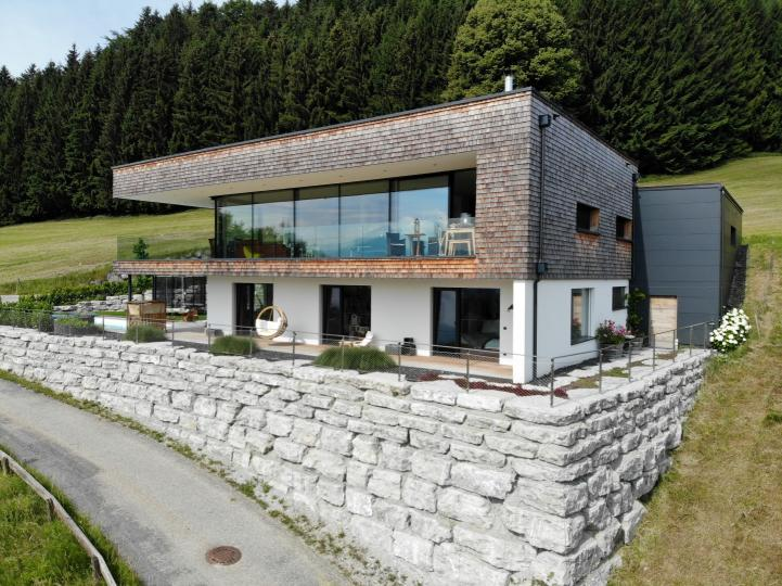 Modern, high-quality villa near Mondsee with a sensational view of 2 lakes