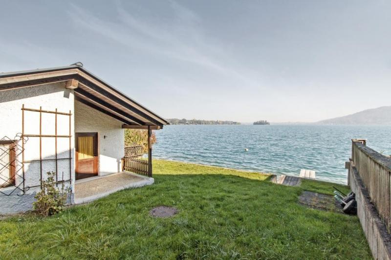 RARITY at the Attersee - bathing place with lake house, house and alpine hut