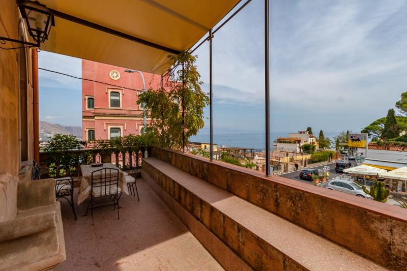 Wonderful villa located in the heart of the historical centre of Taormina